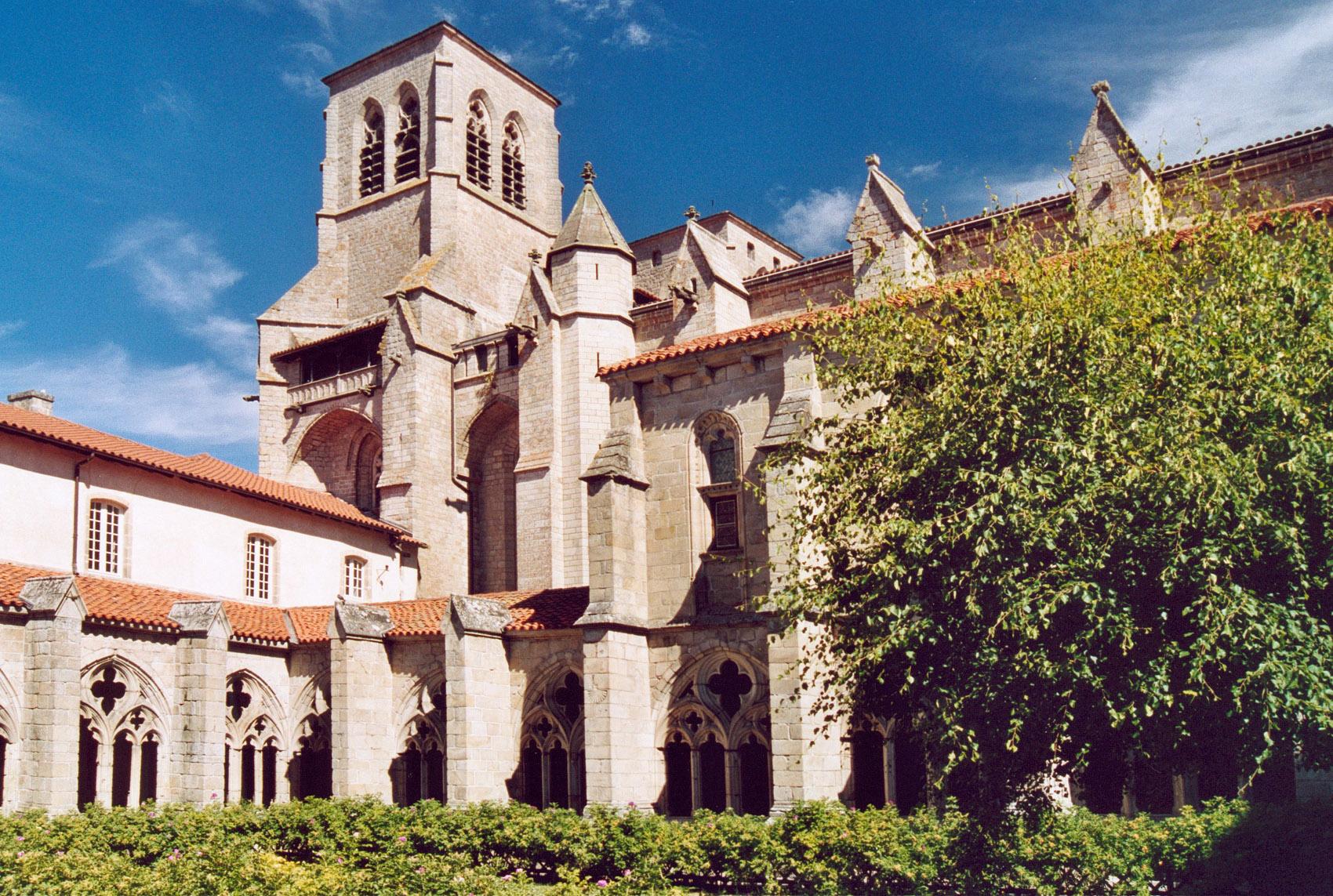 Abbaye Saint Robert De La Chaise Dieu